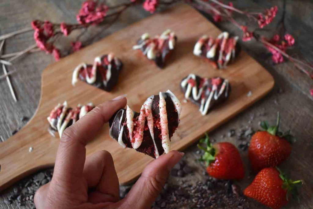 Chocolate Strawberry Hearts, the cutest dessert ever!